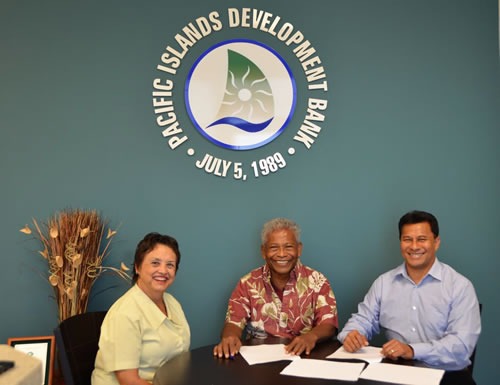 From left: Lourdes Leon Guerrero, PIDB Board Member and President of Bank of Guam, Tony Ganngiyan, Governor of Yap State, and Aren Palik, PIDB President & CEO